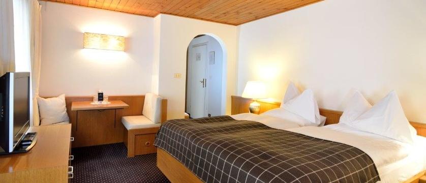 italy_dolomites_selva_hotel-pralong_bedroom.jpg